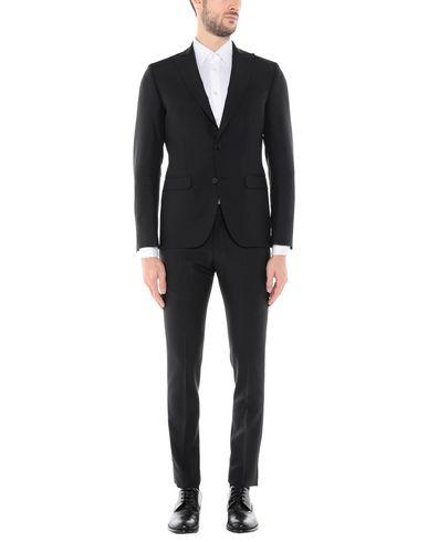 Фото - Мужской костюм IDEA ITALIAN DESIGN ELEMENTS OF APPAREL черного цвета