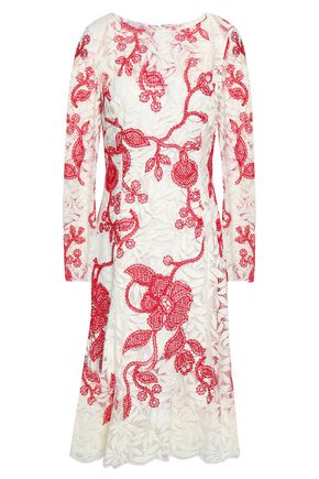 OSCAR DE LA RENTA Fluted embroidered silk-lace dress