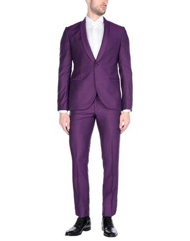 Фото - Мужской костюм MAESTRAMI фиолетового цвета