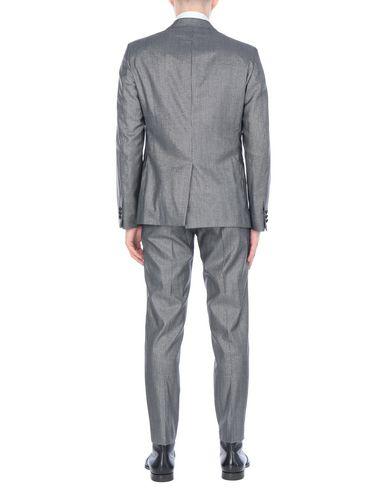 Фото 2 - Мужской костюм  свинцово-серого цвета