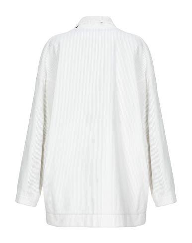 Фото 2 - Женский пиджак JEJIA белого цвета