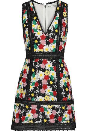 "ALICE + OLIVIA فستان قصير ""زولا"" من الدانتيل بتخريمات كبيرة"