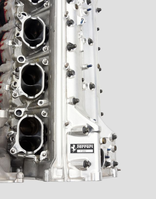 Scuderia Ferrari Online Store - Motore originale F2002 - Memorabilia F1