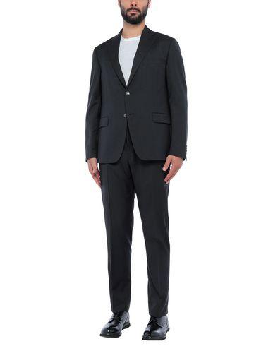 Фото - Мужской костюм  черного цвета