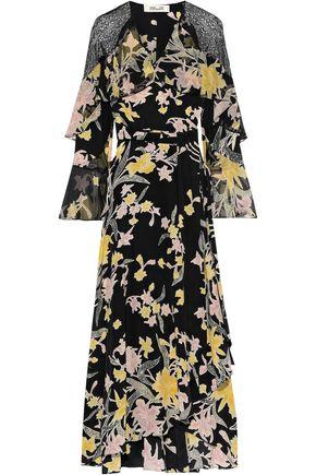 """DIANE VON FURSTENBERG فستان طويل بتصميم ملفوف """"أليس"""" من قماش كريب دي شين الحريري مطبع برسومات مع كشكش"""