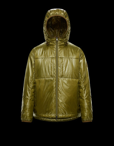 SAWYER Green 2 Moncler 1952 Valextra Man