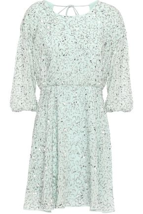 """ALICE + OLIVIA فستان قصير """"بالميرا"""" من الشيفون المزين"""