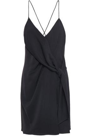 ALICE + OLIVIA فستان قصير بتصميم ملتفّ من الكريب معقود