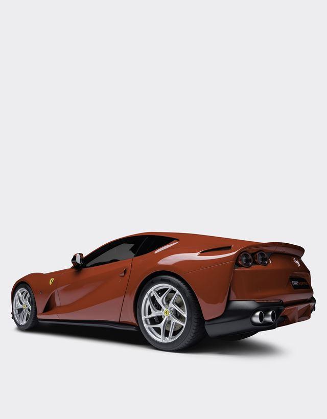 Scuderia Ferrari Online Store - モデルカー Ferrari 812 Superfast スケール 1/8 - 1_1.8スケール モデルカー