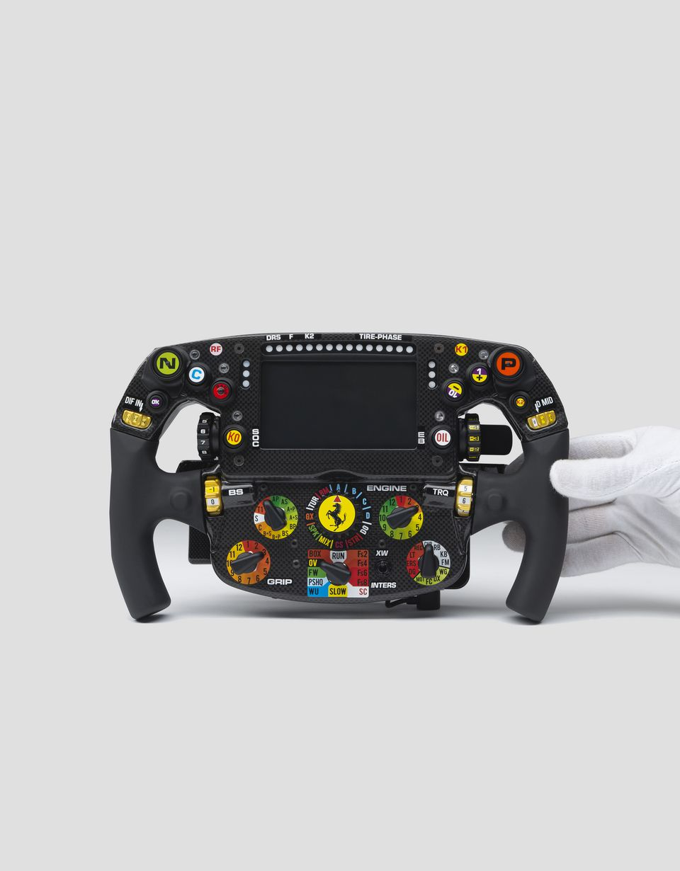 Scuderia Ferrari Online Store - Ferrari SF90 model steering wheel in 1:1 scale - F1 Replicas