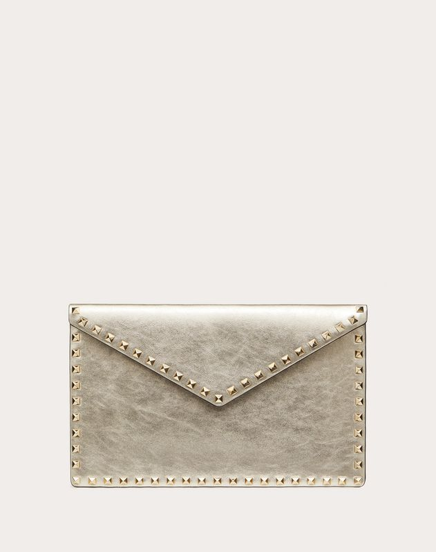 LARGE ROCKSTUD ENVELOPE POUCH IN METALLIC CALFSKIN