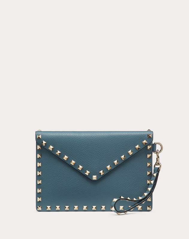 MEDIUM ROCKSTUD GRAINY CALFSKIN ENVELOPE POUCH WITH DETACHABLE STRAP