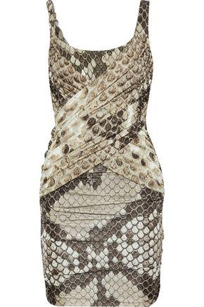 ROBERTO CAVALLI فستان قصير من الجيرسي المصنوع من الساتان ومن الكريب المرن مزيّن بنقوش جلد الثعبان مع ثنيات