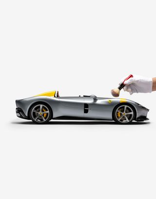 Scuderia Ferrari Online Store - Ferrari Monza SP1 1:8 scale model - Car Models 1_1.8