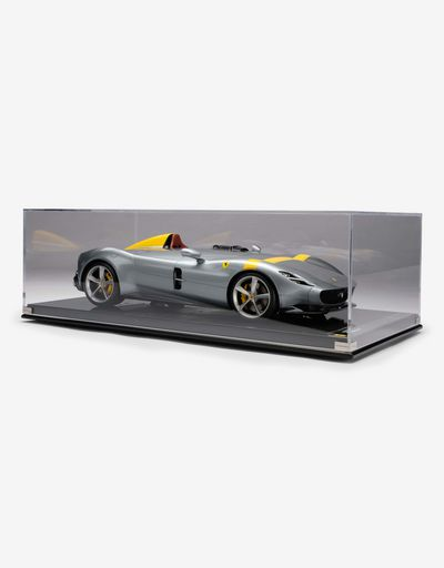 Scuderia Ferrari Online Store - Monza SP1 1:8 scale model - Car Models 1_1.8