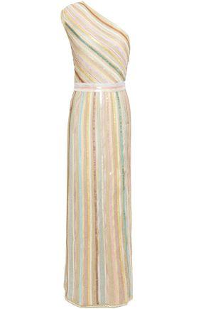 MISSONI فستان طويل مكشوف الكتف محاك بالكروشيه لون ميتاليك ومزين بالترتر