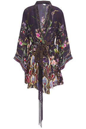 """CAMILLA فستان قصير """"وايلد فلاور"""" بتصميم ملتف من قماش كريب دي شين الحريري المطبع برسومات"""