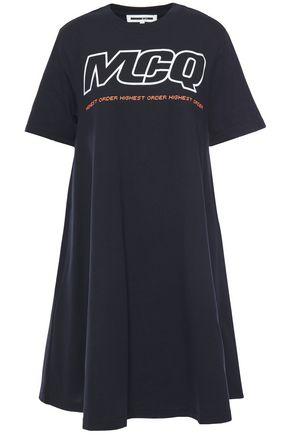 McQ Alexander McQueen فستان قصير من الجيرسي القطني المطبع برسومات