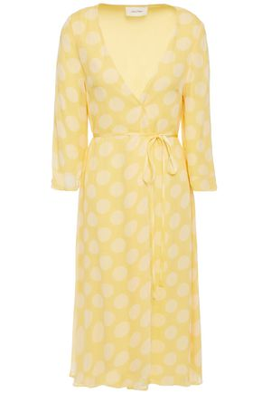 AMERICAN VINTAGE فستان ملتف من قماش جورجيت مزين بنقط بولكا