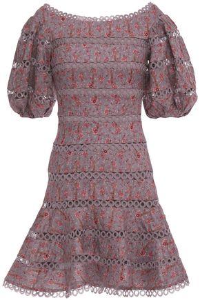 "ZIMMERMANN فستان قصير ""جونيبر"" من الكتان المطبع برسومات مزخرف بالكروشيه"