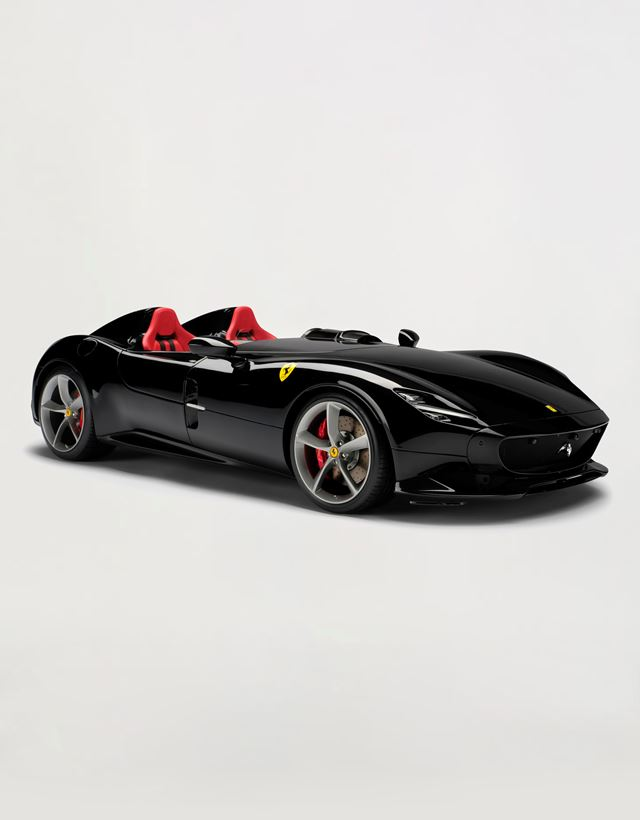 Scuderia Ferrari Online Store - Ferrari Monza SP2 model in 1:8 scale - Car Models 1_1.8