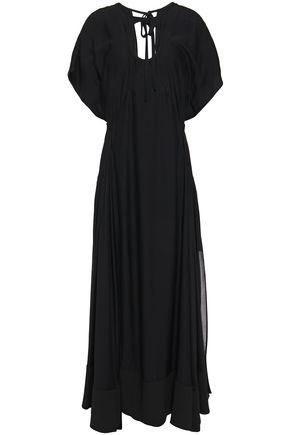 3.1 PHILLIP LIM فستان طويل بطبقات من قماش كريب دي شين والكريب الحريري مع أجزاء مقصوصة