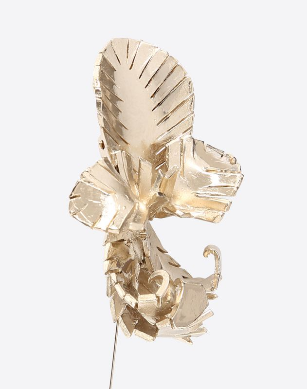 Earrings with feather details