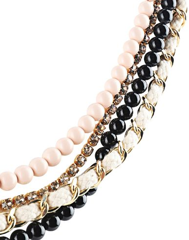 Фото 2 - Ожерелье светло-розового цвета