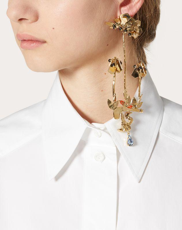 Metal and crystal single leaf earring