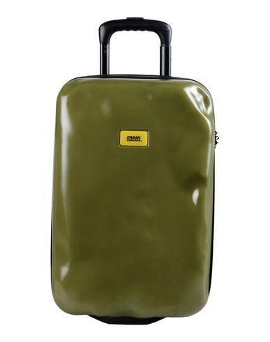 crash-baggage-wheeled-luggage