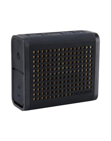 nixon-hi-tech-accessory