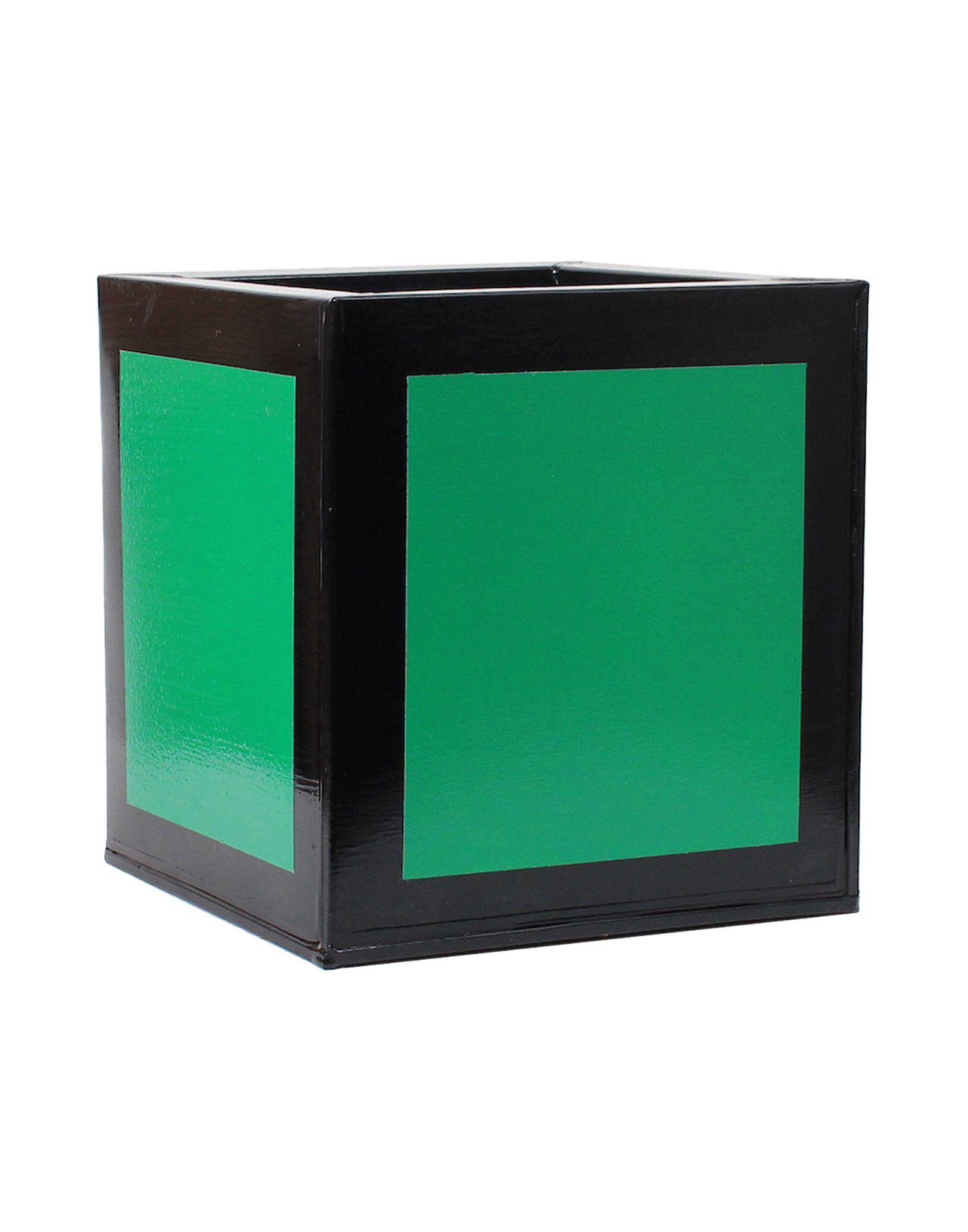 Darkroom darkroom complementi d 39 arredo vasi on for Complementi d arredo vasi