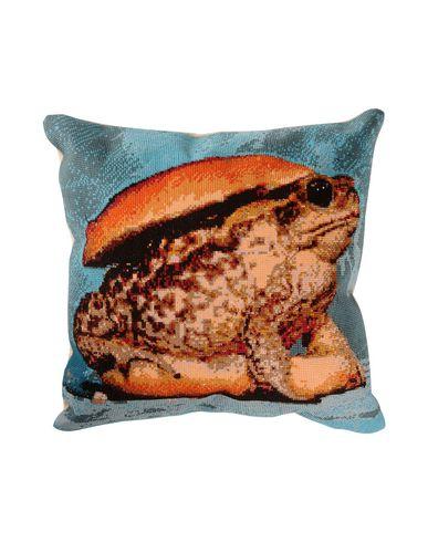 seletti-wears-toiletpaper-pillow