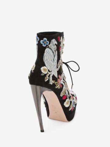 ALEXANDER MCQUEEN Medieval Embroidered Horn Heel Bootie Boots D d