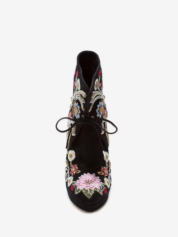 ALEXANDER MCQUEEN Medieval Embroidered Horn Heel Bootie Boots D e
