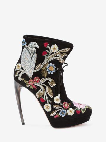 ALEXANDER MCQUEEN Medieval Embroidered Horn Heel Bootie Boots D f