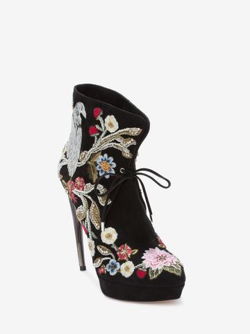 ALEXANDER MCQUEEN Medieval Embroidered Horn Heel Bootie Boots D r