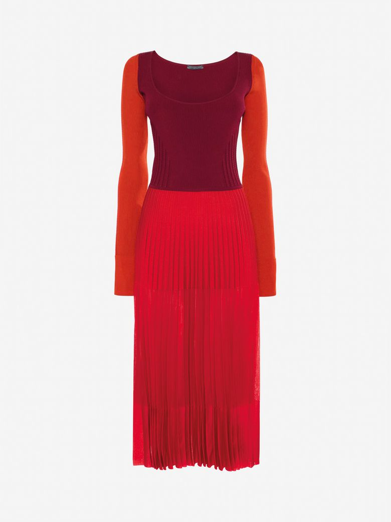 Scoop-Neck Long-Sleeve Knit-Bodice Pleated Long Dress in Red