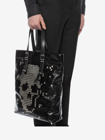 ALEXANDER MCQUEEN Black Calf Leather Open Shopper with Studded Skull Front  トートバッグ U a