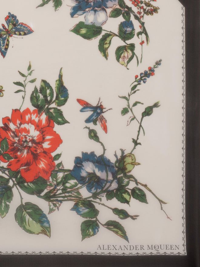 ALEXANDER MCQUEEN Floral Tablecloth Scarf Seasonal Scarf D d