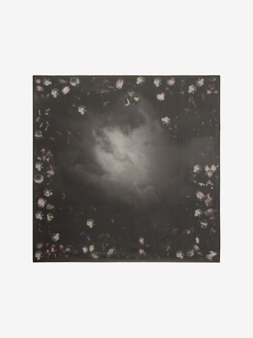 ALEXANDER MCQUEEN Stormy Night Shawl Seasonal Scarf D f